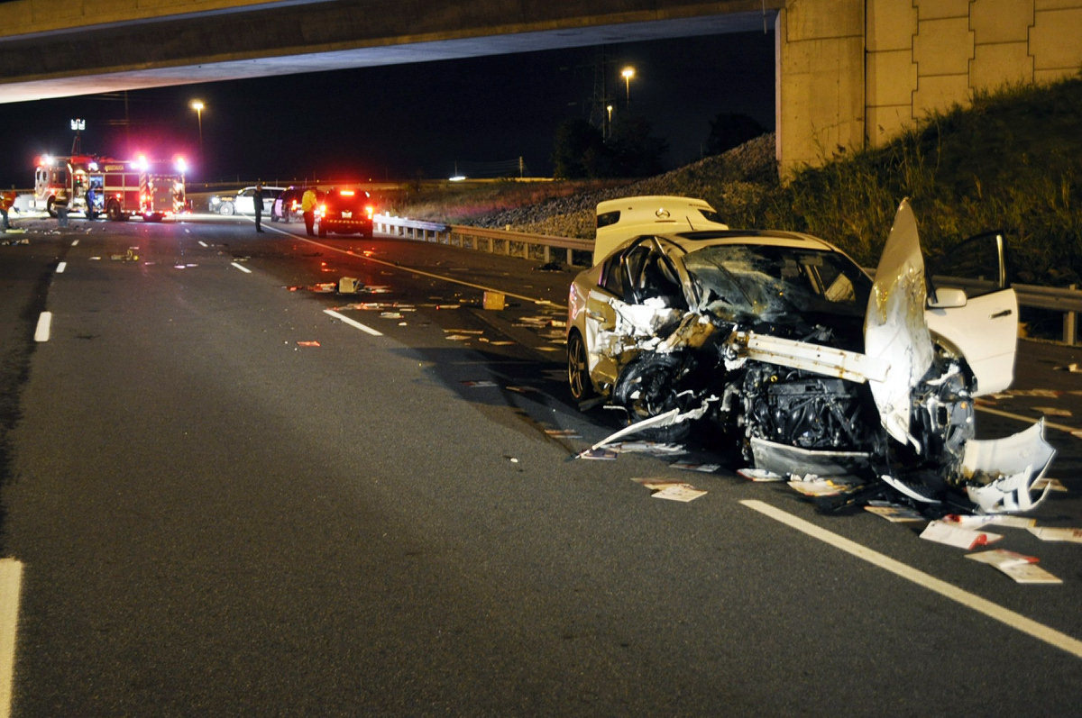 Wrongway crash Oakville kills one twin while other