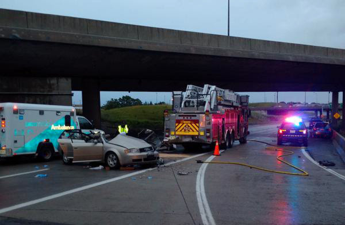 exit ramp traffic diagram fender precision lyte wiring one dead after collision with fire truck on highway 427