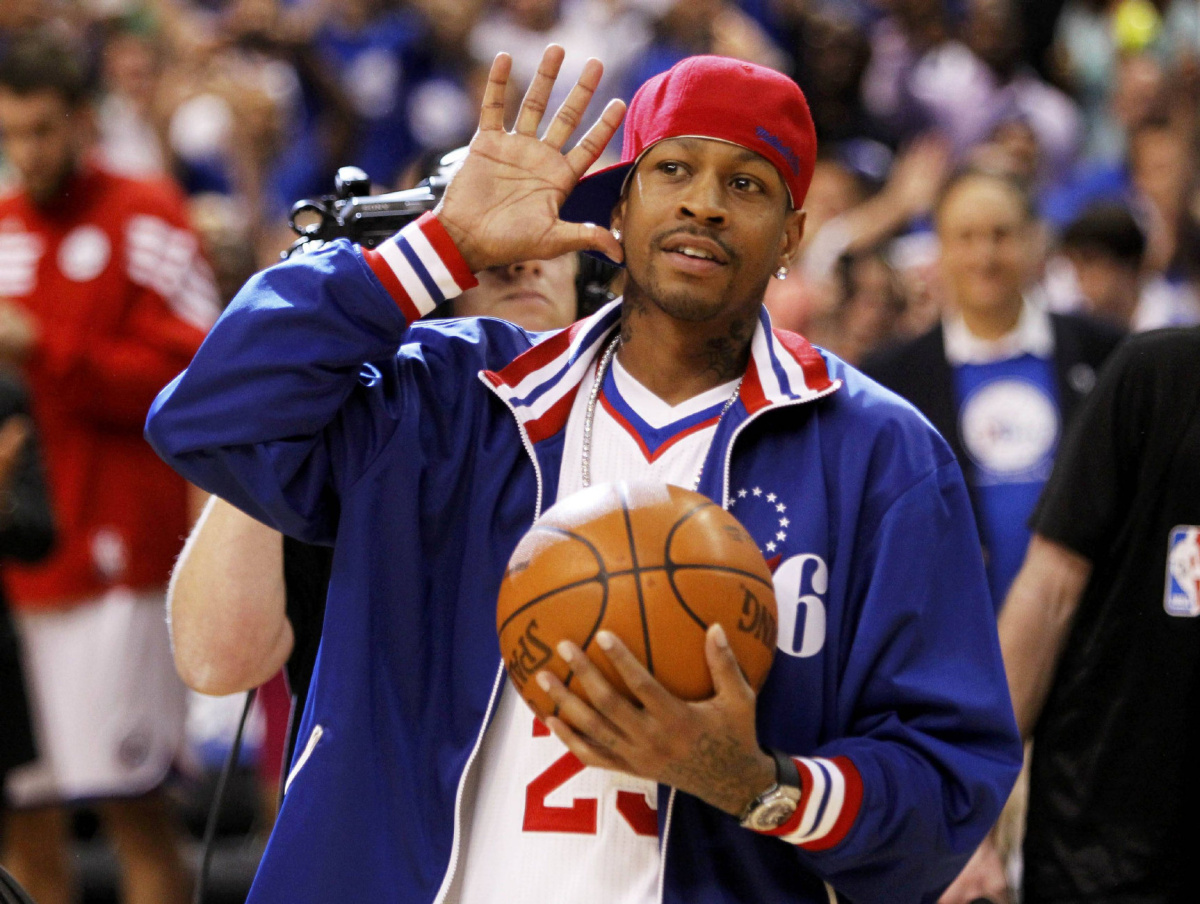 Philadelphia 76ers Iphone Wallpaper Kelly Allen Iverson S Nba Career Ended When His Head Was