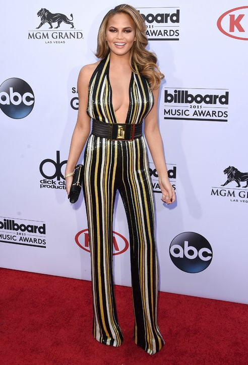 chrissy-teigen-jumpsuit-billboard-music-awards-2015-h724