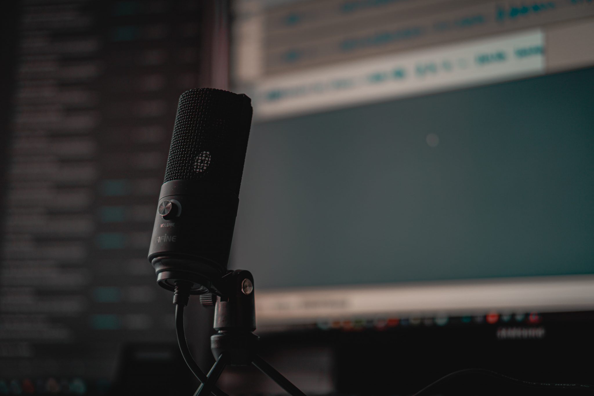 What is the Best Free AI Online Voice Generator Tool in 2021?