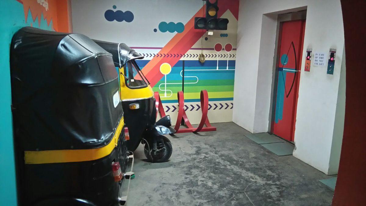 Floor with street theme 4 - Richshaw stand with actual auto rickshaws