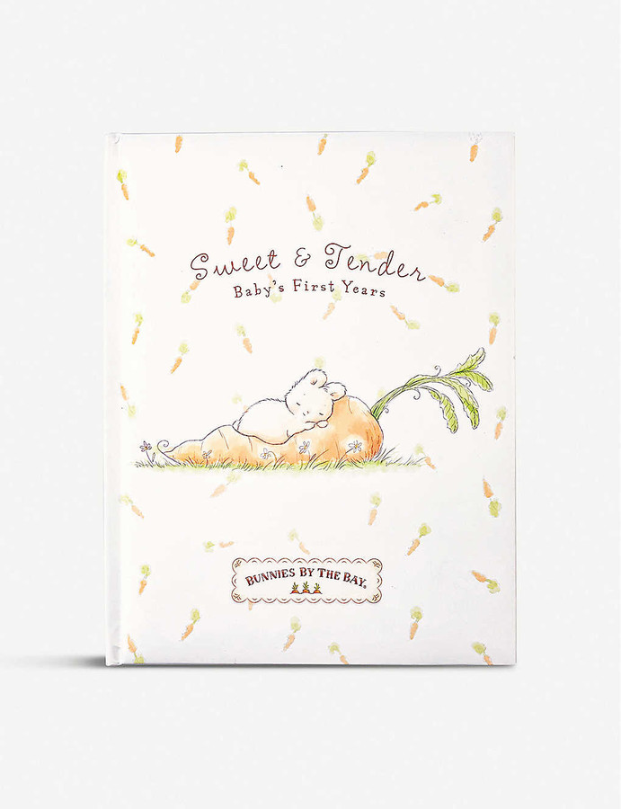 Preserve all those important moments and cherished memories of your little one's first five years with the help of this record book