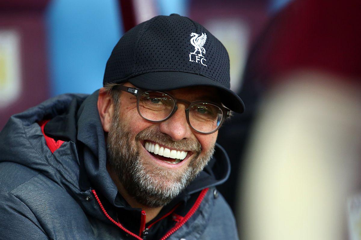 Jurgen Klopp dedicates Liverpool's Premier League title to Kenny Dalglish. Steven Gerrard