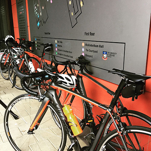 Leave the bike at home - VÉLO-PORTE has you covered