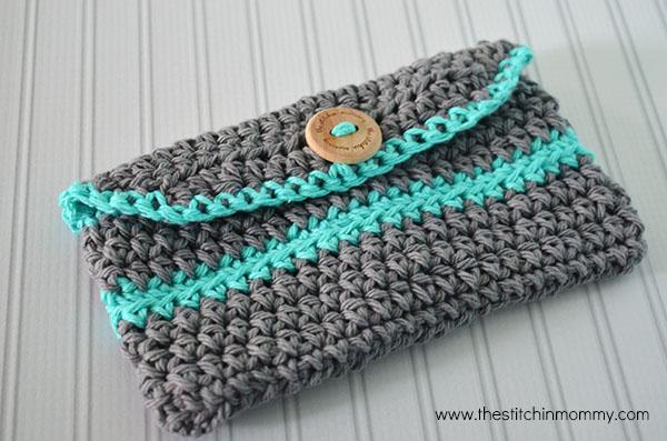 Crochet Mini Clutch Purse - Free Pattern - The Stitchin Mommy