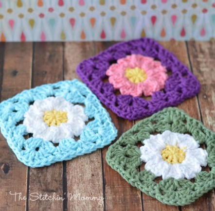 Crochet Daisy Granny Square - Free Pattern www.thestitchinmommy.com