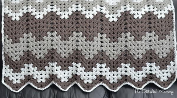 Granny Ripple Baby Afghan www.thestitchinmommy.com #crochet #afghan #baby