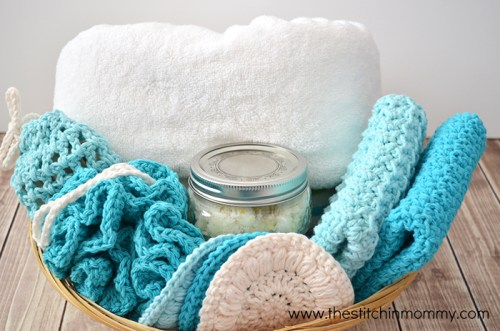 4 Free Spa Day Patterns and Honey Lemon Sugar Scrub | www.thestitchinmommy.com #spa #crochet #sugarscrub #honey #lemon #recipe