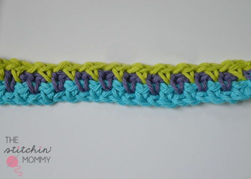 Let's Learn a New Crochet Stitch! - Sand Stitch Tutorial | www.thestitchinmommy.com