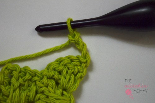 Let's Learn a New Crochet Stitch! - Woven Shell Stitch Tutorial | www.thestitchinmommy.com