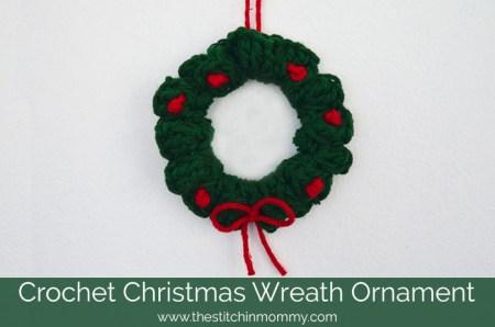 Crochet Christmas Wreath Ornament | www.thestitchinmommy.com