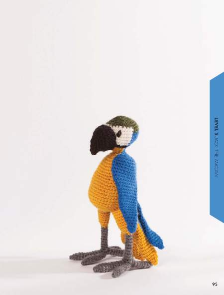 Edward's Menagerie - Birds: Over 40 Soft Toy Patterns for Crochet Birds: Book Review | www.thestitchinmommy.com #edsanimals