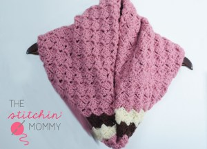 Neapolitan Striped Cowl | www.thestitchinmommy.com