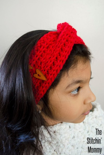 Love Me Knot Headband - Free Crochet Pattern #ValentinesDay | www.thestitchinmommy.com