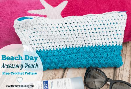 Beach Day Accessory Pouch - Free Crochet Pattern #CelebrateMomCAL | www.thestitchinmommy.com