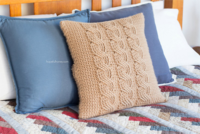Cabled-Throw-Cushion-Cover-