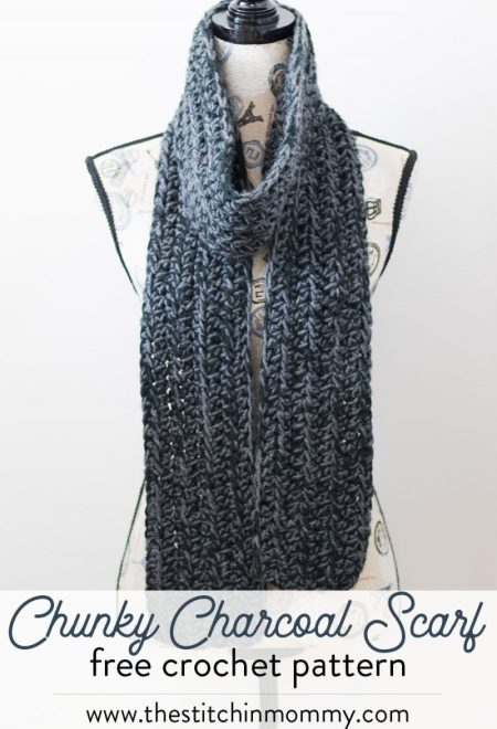 Chunky Charcoal Scarf - Free Crochet Pattern - Scarf of the Month Club hosted by The Stitchin' Mommy and Oombawka Design | www.thestitchinmommy.com #ScarfoftheMonthClub2017