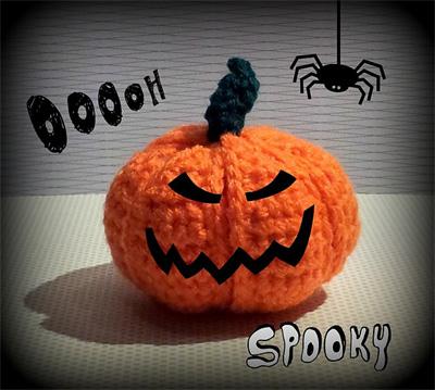 crochet-pumpkin-segment-bal