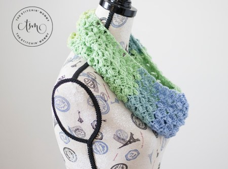 Eden Cowl - Free Crochet Pattern | Scarf of the Month Club hosted by The Stitchin' Mommy and Oombawka Design | www.thestitchinmommy.com #ScarfoftheMonthClub2019