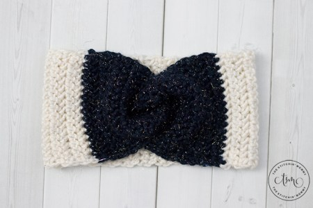 Herringbone Twist Headband Earwarmer - Free Crochet Pattern | www.thestitchinmommy.com #HolidayStashdown #CALCentralCrochet