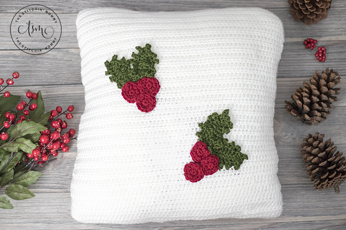 Holly Jolly Christmas Pillow – Free Crochet Pattern