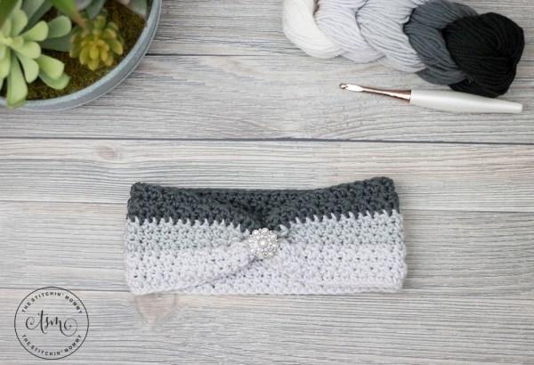 Ombre Wrap Headband - Free Crochet Pattern   www.thestitchinmommy.com