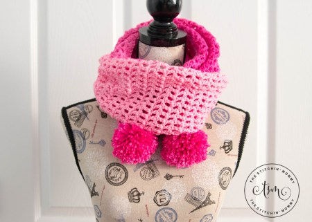 Pretty in Pink Angled Scarf - Free Crochet Pattern - Scarf of the Month Club hosted by The Stitchin' Mommy and Oombawka Design | www.thestitchinmommy.com #ScarfoftheMonthClub2017