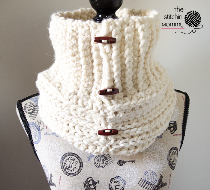 Starlight Button Cowl - Free Crochet Pattern - The Stitchin Mommy