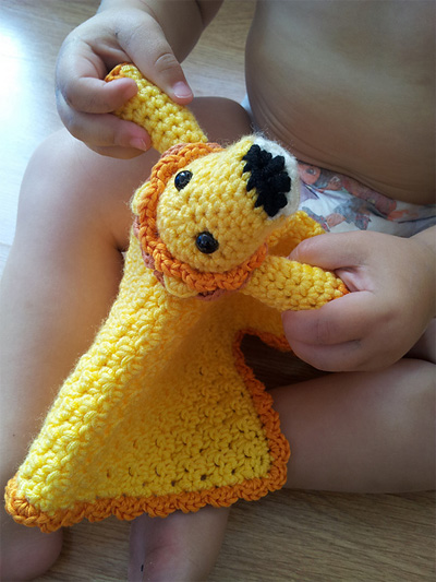 tau-crochet-lion-lovie-by-l