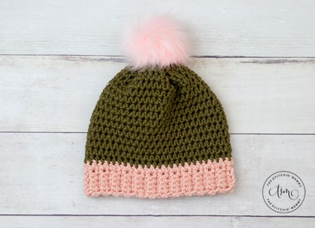 Willa Hat - Free Crochet Pattern #ScarfHatoftheMonthClub2020 | www.thestitchinmommy.com