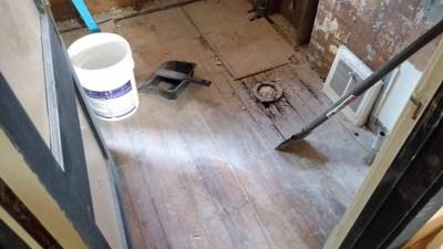 hardwood-floors-in-bathroom