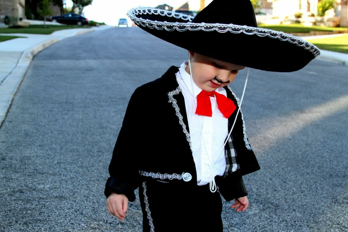 DIY Mariachi and Seniorita Costumes (Mom and Toddler) - the sTORIbook
