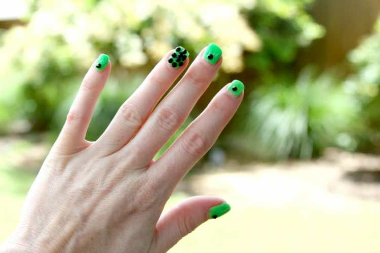 DIY Neon Green + Black Spike Nails