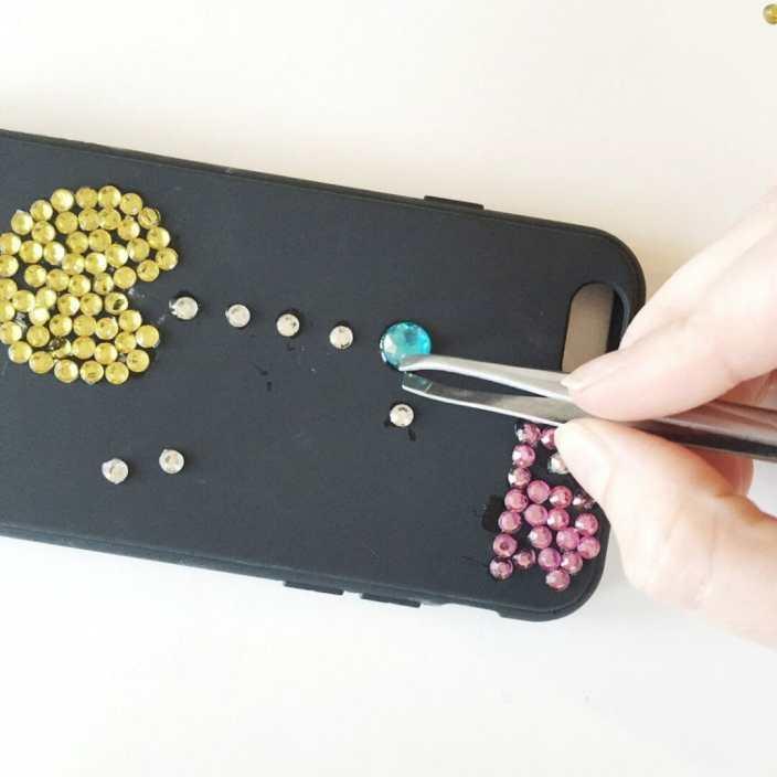diy pacman jeweled iphone case