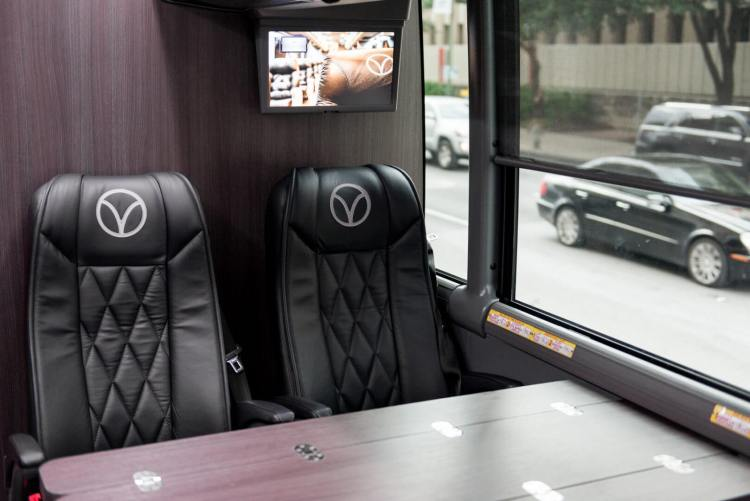 luxury bus route texas