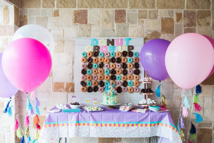 donut wall birthday party