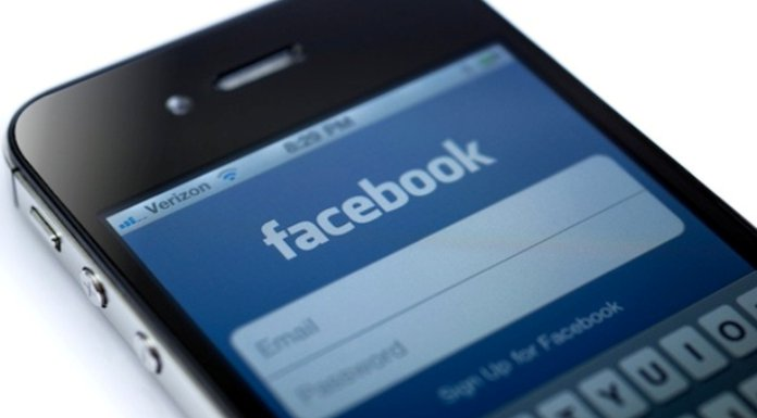 Over Half Of Daily Users Log On Via Smartphone Or Tablet To Facebook