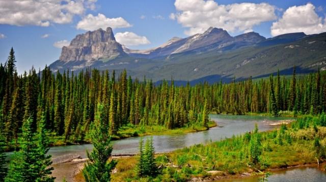 Castle-Mountain-Alberta-Canada