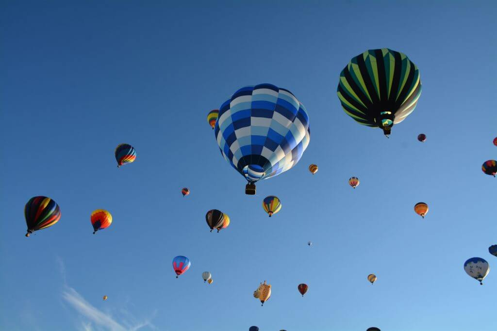 Up in the air at l'International de montgolfières