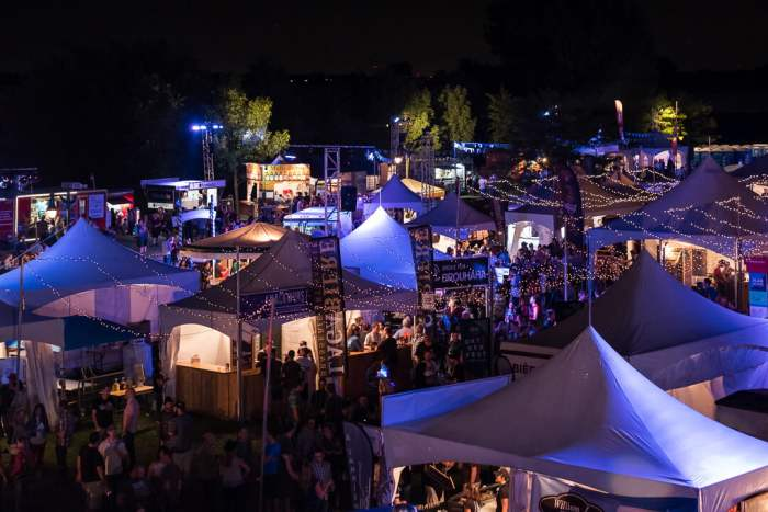 oktoberfest-repentigny-vue-tente-nuit