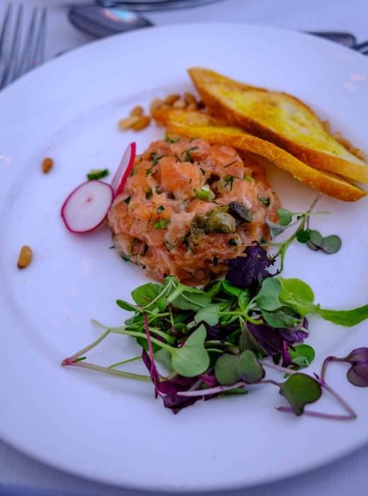 tartare-saumon-bateau-mouche