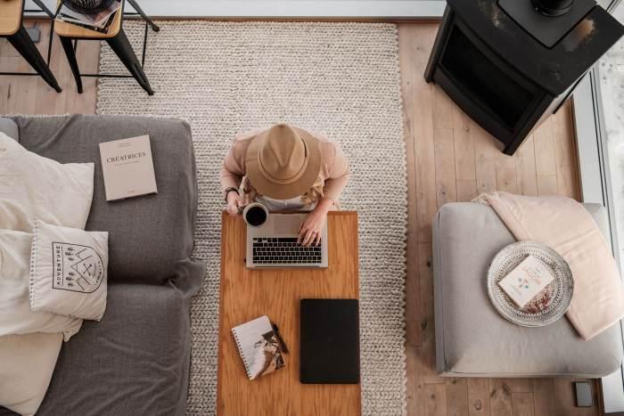 marie-travail-ordinateur-lagöm