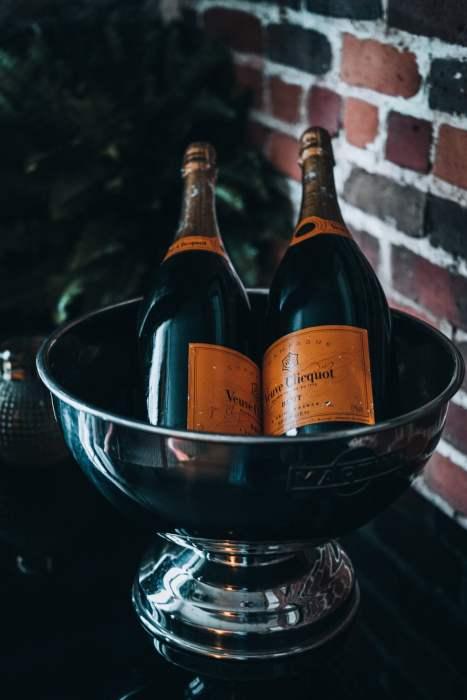 champagne-souper-nelligan-verses