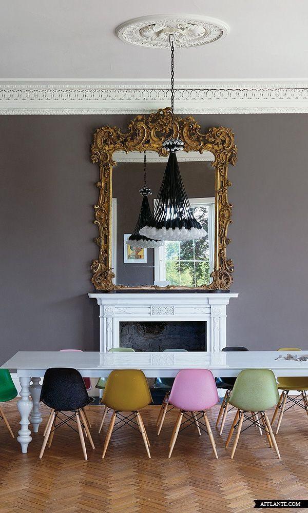 Gekleurde eetkamerstoelen in de keuken  THESTYLEBOX
