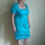 Sukienka i narzutka w kolorze turkusowym