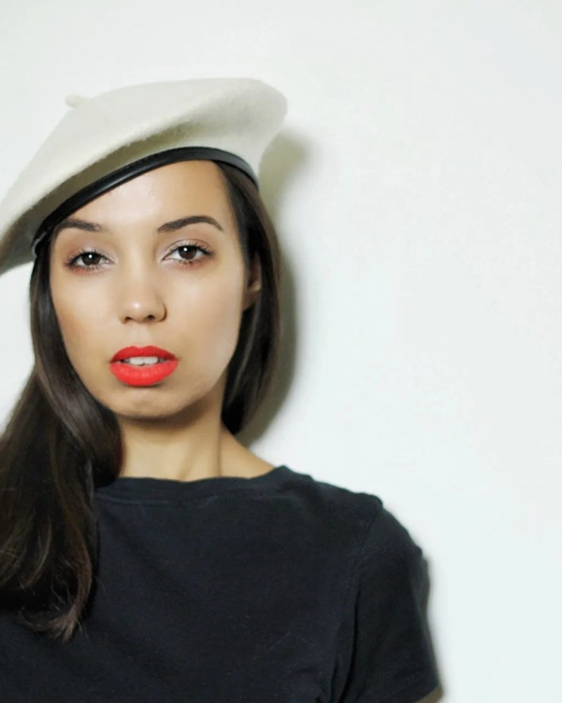 Scoliosis surgery - girl wearing beret and red lipstick - The Style of Laura Jane