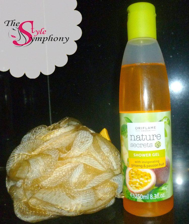 gel bottle with loofa