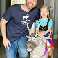 DIY Men's Frozen Shirt For Dad - Arendelle Ice Company