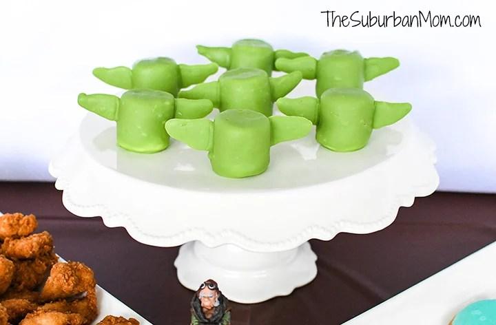 Baby Yoda Marshmallow Pops